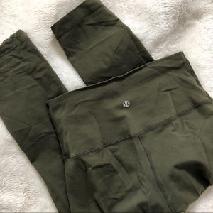 Lululemon fatigue army green fold over crops
